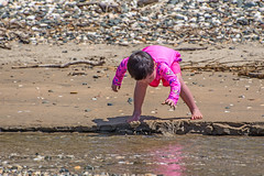Playing in the Sand (fotofrysk) Tags: newzealand beach water sand child play northisland northland gravel coopersbeach nikond7100 201411091464