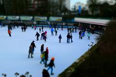Hamburg Planten un Blomen (Kai Comberg) Tags: winter ice hamburg skating un planten blomen eislaufen schlittschuhlaufen