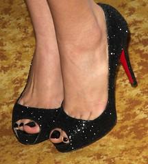 Feet & Shoes (747) (I Love Feet & Shoes) Tags: street sexy feet stockings pie shoes highheels sandals tights lingerie heels ps huf hoof bas pieds mules pantyhose schuhe casco piedi meias medias scarpe sandalias chaussures sapatos sandlias zapatillas sandalen  sandales  sabot sandali  strmpfe    calcanhares  fse