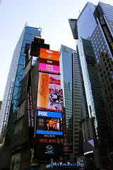 NEW YORK - Mirrors (LUAL audiovisual) Tags: blue newyork building glass skyscraper amrica colours publicidad timessquare cristal bigapple estadosunidos nuevayork anuncios nen luminosos rtulos modernidad lagranmanzana