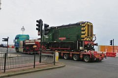 09026 ((Mick Baker)rooster) Tags: brighton diesel loco southernrailway haulage shunt lowloader class09 cedricwares