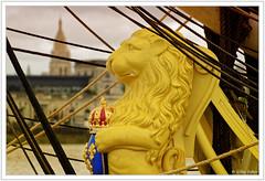 Lion de la Libert (GilDays) Tags: france yellow sailboat jaune boat nikon lafayette lion bordeaux bateau voilier figurehead aquitaine gironde figuredeproue d810 nikond810 lhermione so0815