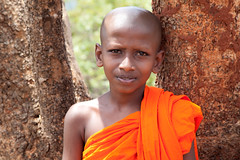 Monk boy... (Manon van der Lit) Tags: boy portrait orange rock kid child lion monk sri lanka portret sigiriya monnik