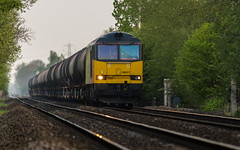 Colas Class 60 no 60021 at Morton Foot Crossing (Nottinghamshire) with the evening tanks to Lindsey on 09-05-2016 (kevaruka) Tags: greatbritain england orange color colour green colors yellow rural train canon evening countryside spring twilight flickr colours may rail railway trains telephoto 5d fullframe frontpage britishrail nottinghamshire morton 2016 colas southwell networkrail class60 railfreight 60021 canon5dmk3 5dmk3 canonef100400f4556l 5d3 5diii thephotographyblog colasrailfreight canoneos5dmk3 ilobsterit telephototrains