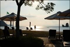 160424 Langkawi Sunset 21 (Haris Abdul Rahman) Tags: family sunset vacation beach malaysia langkawi kedah tanjungrhu tanjungrhuresort sunsetpool harisabdulrahman harisrahmancom fotobyhariscom