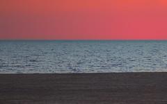 Bandera de atardecer (flag sunset) (jesusgag) Tags: otrasfotos flagsunset sunset atardecer bandera playa