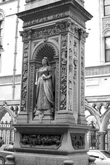 Statue of Queen Victoria on the Temple Bar Memorial (IanAWood) Tags: urban cityscapes centrallondon walkingwithmynikon nikondf nikkorafs58mmf14g