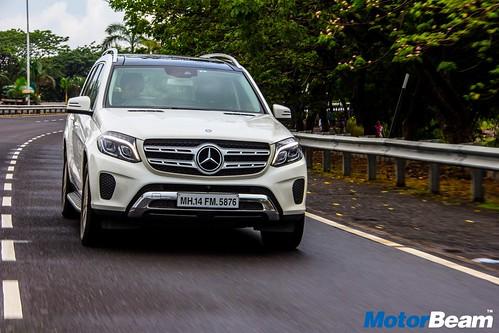 2016-Mercedes-GLS-4