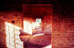 (victorcamilo) Tags: lighting light brazil building muro luz wall brasil photoshop canon hotel photo construction place ngc corridor photojournalism prdio formas abandonment lugar hdr corredor tijolo casaro abandono iluminao fotojornalismo abandonado construo canonlens victorcamilo