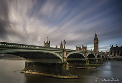 On Time. (Antonio Puche) Tags: bridge sunset london landscape atardecer arquitectura nikon time bigben paisaje hora nubes londres nikon173528 nikond800