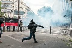 Paris - Grve Gnral (Melissa Favaron) Tags: france police gas strike francia parigi polizia sciopero clashes banlieu casseur feriti scontri lacrimogeni blesss scioperogenerale grevegeneral 140616 loidutravail grevenational