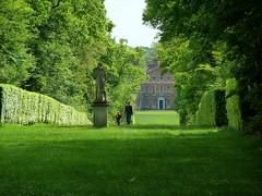 Walking up an avenue at St Paul's Walden Bury (Jayembee69) Tags: england statue garden fatherandson avenue hertfordshire queenmother herts ngs nationalgardenscheme boweslyon stpaulswalden stpaulswaldenbury
