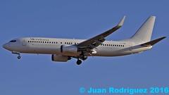 EI-FNW - Meridiana - Boeing 737-86N (Juan Rodriguez - PMI/LEPA) Tags: plane airplane nikon aircraft sigma boeing mallorca palma aeropuerto meridiana 70200mm 80400mm b737 d90 aeroplano aeronave sonsanjuan sonsantjoan pmilepa eifnw