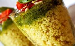 Bicchieri di cuscus allo zafferano con pesto (RicetteItalia) Tags: pesto ricetta cuscus zafferano