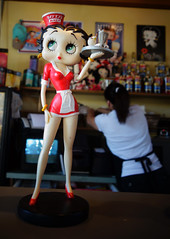 Betty Boop at Beez Cafe (drburtoni) Tags: oregon portland betty portlandia bettyboop boop beez bettyboopo beezcafe