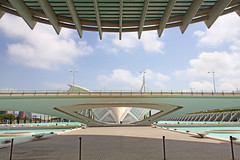 Valencia - City of Arts and Sciences 49 (Romeodesign) Tags: bridge santiago cinema eye valencia museum architecture modern spain geometry curves under perspective front symmetry calatrava dome planetarium brcke hdr imax brdige ciudaddelasartesylasciencias lhemisfric flixcandela cityofartsandsciences 550d elmuseudelescinciesprncipefelipe puentedemonteolivet