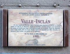 Placa Ramn Mara del Valle-Incln (Madrid) (Juan Alcor) Tags: madrid 1999 placa escritor maxestrella valleincln crculodebellasartes inscripcin literato ramnmara