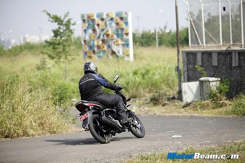 Bajaj-Discover-100M-12