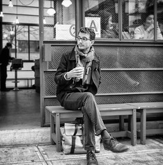 A Coffee Break (mkc609) Tags: street nyc newyorkcity urban blackandwhite bw ny newyork coffee blackwhite candid streetphotography coffeebreak xe1 fujixe1 vision:outdoor=0931
