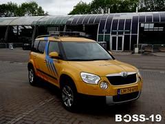 On scene commander (Luchtmacht/Airforce) Skoda Yeti (Boss-19) Tags: rescue netherlands fire nederland yeti base commander skoda | millitary firerescue luchtmacht gilzerijen kazerne ifire i onscenecommander gilzerijen| lm7469