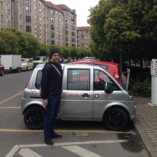 Tiny three seater #miaelectric #ev #electriccar #berlin #germany with @devil_bunny
