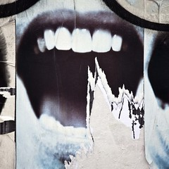 Incision (Gerard Hermand) Tags: street white paris france art wall canon tooth mouth paper teeth dent bouche serendipity rue mur papier blanc unstuck dcoll formatcarr srendipit eos5dmarkii 1404125117 gerardhermand