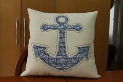 Almofada ncora (ceciliamezzomo) Tags: blue praia beach azul handmade navy pillow anchor patchwork cushion almofada ancora nautico almohada