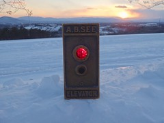 AB See button at parkway church (DieselDucy) Tags: sunset snow see lift elevator ab roanoke ascensor elevador aufzug ascenseur elevatorbutton absee historicoutdoorelevator lyftu