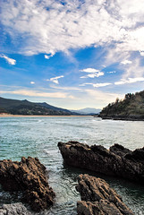 Paisaje Hispnico (socioclic) Tags: ocean sea nature water mare colours wave azzurro hdr mundaka