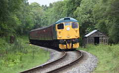 Class 26 038 'Tom Clift' southbound at Fen Bog [NYMR] (soberhill) Tags: diesel gala pickering grosmont nymr 2016 northyorkshiremoorsrailway 26038 class26 fenbog tomclift