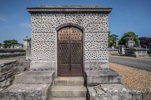 MOUNT JEROME CEMETERY AND CREMATORIUM IN HAROLD'S CROSS [SONY A7RM2 WITH VOIGTLANDER 15mm LENS]-117066