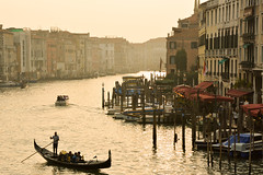 Venecia Grand Canal (lozadam63) Tags: sunset sun atardecer golden view venecia gondolas gondoleros
