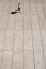 Sydney Opera House jogging (pedro smithson) Tags: travel man sports nikon floor sydney lifestyle australia running lookdown health shorts jogging oceania oceanica strideby d5100 pedrosmithson