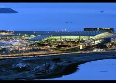 Terminal 1 | Hong Kong - Chek Lap Kok International | HKG | VHHH (Christian Junker | Photography) Tags: china night plane hongkong airport nikon gate asia aircraft aviation ngc airline bluehour nikkor dslr constructionsite hkg teleconverter sar t1 lantau d800 clk 70200mm terminal1 cheklapkok hkia pearlriverdelta hongkonginternationalairport hongkongphotos vhhh flickraward wwwairlinersnet regalairporthotel airportexpressstation zensational worldtrekker flickrtravelaward superflickers d800e christianjunker hkmacauzuhaihighway