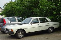 1977 Peugeot 604 Automatique (peterolthof) Tags: 35yb36 peugeot 604 peterolthof