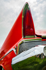 Strato-liner (GmanViz) Tags: sky color detail car nikon bumper chrome lincoln 1957 premiere taillight tailfin gmanviz d7000