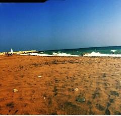 (emrahzdemir1) Tags: sea sun sand retro mersin deniz kum sahil gne plaj