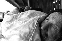 Por A-Morador de Rua-Sto Andr-SP. (nariobarbosa) Tags: brasil saopaulo brazilian rua frio santoandre solidao idoso cobertor morador porai