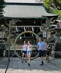 Gojoten-Jinja and twins,Tokyo Ueno park (sapphire_rouge) Tags: park family girl japan temple japanese tokyo twins shrine ueno tourists   schoolgirl shinto  torii   travelers uenopark