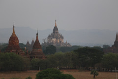 2016myanmar_0376 (ppana) Tags: bagan alodawpyay pagoda ananda temple bupaya dhammayangyi dhammayazika gawdawpalin gubyaukgyi myinkaba wetkyiin htilominlo lawkananda lokatheikpan lemyethna mahabodhi manuha mingalazedi minochantha stupas myodaung monastery nagayon payathonzu pitakataik seinnyet nyima pagaoda ama shwegugyi shwesandaw shwezigon sulamani thatbyinnyu thandawgya buddha image tuywindaung upali ordination hall