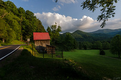 Another day in the sun (TJRyals) Tags: road mountains barn franklin nc greatsmokeymountains greatsmokey franklinnc