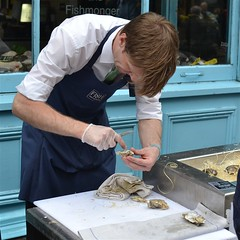 2013-06-16: Oyster Carve (167/365) (psyxjaw) Tags: street fish man london shop cutting opening oyster fishworks fayre marylebone londonist