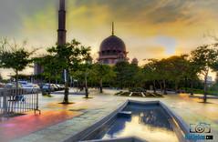 Pink Mosque (van_ambruce) Tags: putrajayamosque klabit vanligutomphotography
