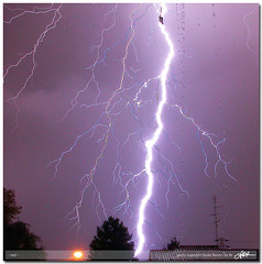zap! (guido ranieri da re: work wins, always off) Tags: lighting light night nikon thunder notte luce indianajones zap e5700 tuono fulmini tenyearsafter nonsonoglianniamoresonoichilometri guidoranieridare