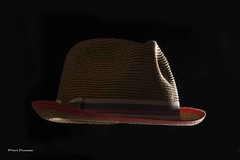Rim lighting (Tpai1) Tags: hat canon flash rimlighting 18135mm