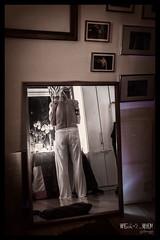 (werk-2at) Tags: vienna wien light people selfportrait austria mirror licht us sterreich still hug close nacht spiegel we peter shooting nah alessandra reflexion spiegelung hold stimmung wir personen embraces werk2 spiegelungen selbstbildnis themanilove