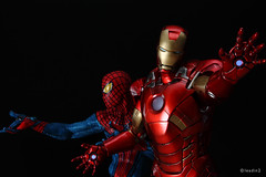 Iron Man Mark VII & Spider-Man | Mini Bust | Gentle Giant & Diamond Select (leadin2) Tags: canon movie amazing spiderman ironman marvel vii avengers gentlegiant minibust mark7 diamondselect