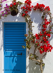 Changing  Room-2783 (glennrossimages) Tags: blue italy flower it bougainvillea positano