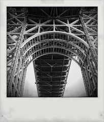 14 / 365 (Janine Graf) Tags: bridge bw 6x6 river newjersey hudsonriver hudson gwb georgewashingtonbridge monokrom fauxpolaroid 365project janine1968 kingcamera janinegraf