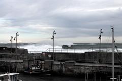 Mundaka storm (Ander B) Tags: storm puerto surf harbour wave bizkaia euskalherria basquecountry ola paisvasco mundaka